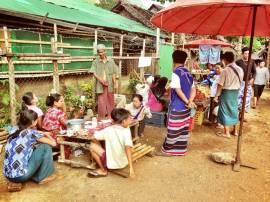 A small market in the Mae La camp. Photo courtesy Oil Jiraporn