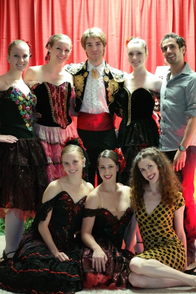 Members of the Fort Wayne Ballet performed select dances from Don Quixote and The Nutcracker, as well as a group tango lesson.